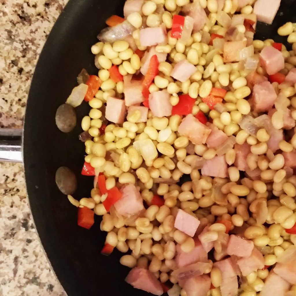 White Acre Peas with Ham